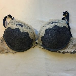 Victorias secret bra women's size 32C